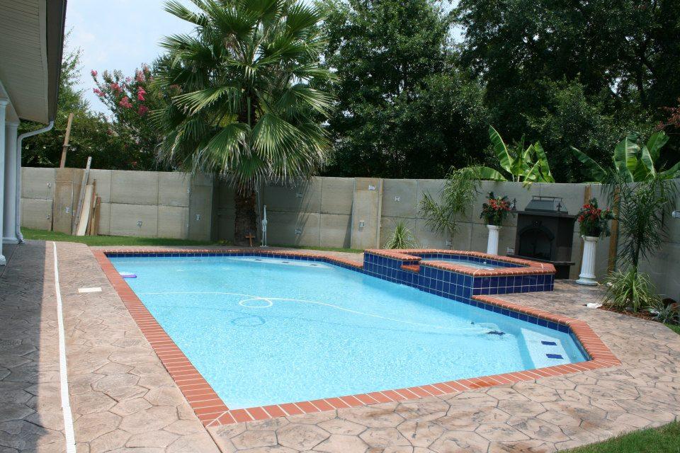 Fiberglass Pools vs. Gunite Pools - Lee Swimming Pools