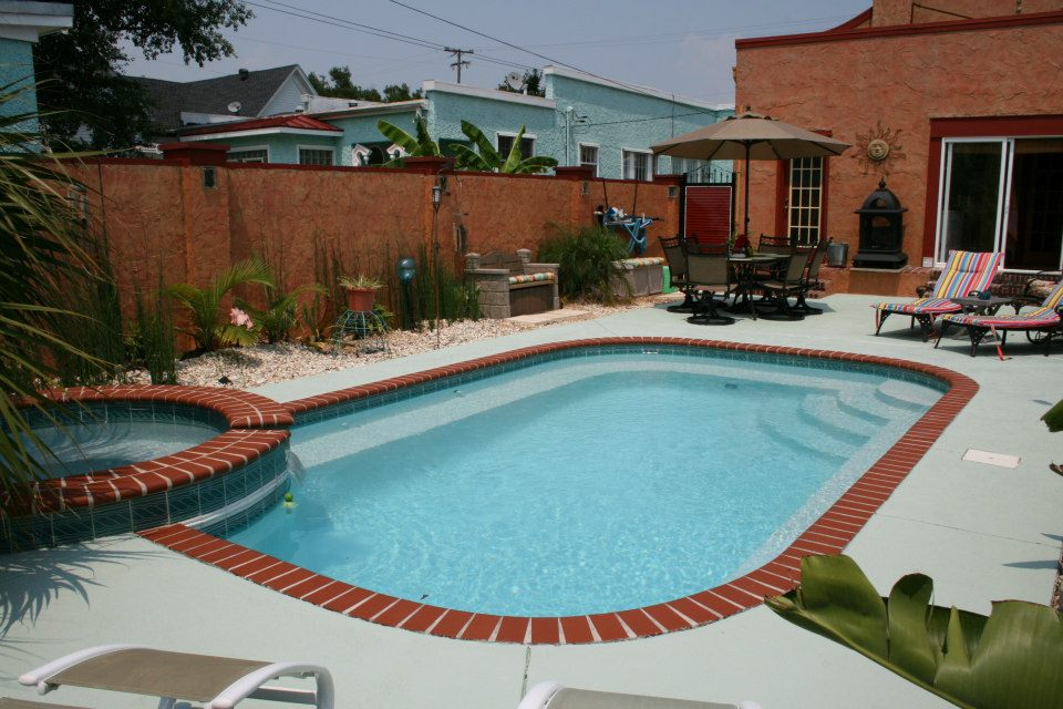 Fiberglass Pools Vs Gunite Pools Lee Swimming Pools